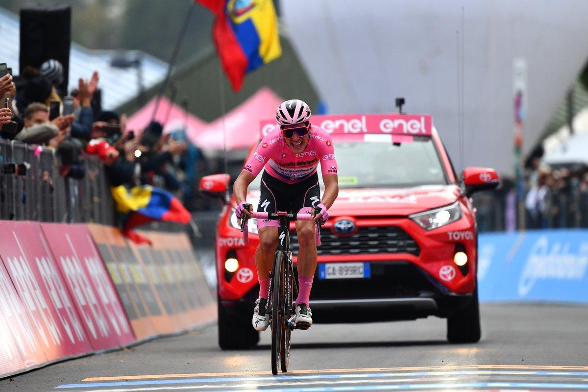 Joao Almeida toujours en rose