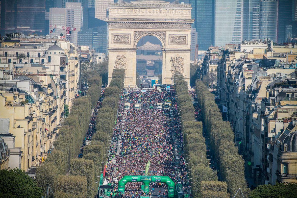 Le marathon de Paris attire chaque année de plus en plus de monde