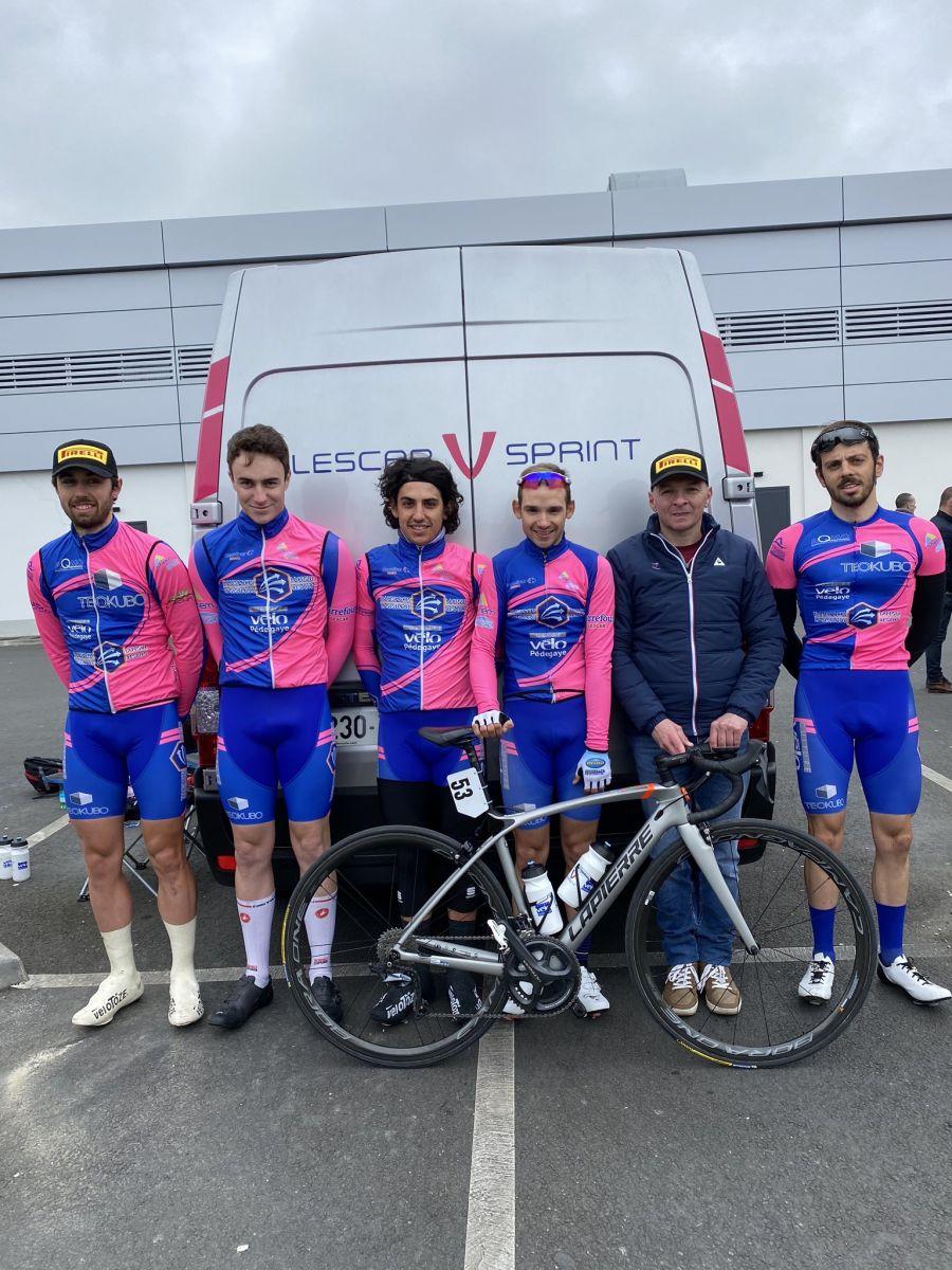 Lescar Vélo Sprint vainqueur de la première manche de Coupe de France DN3 avec Titouan Guy
