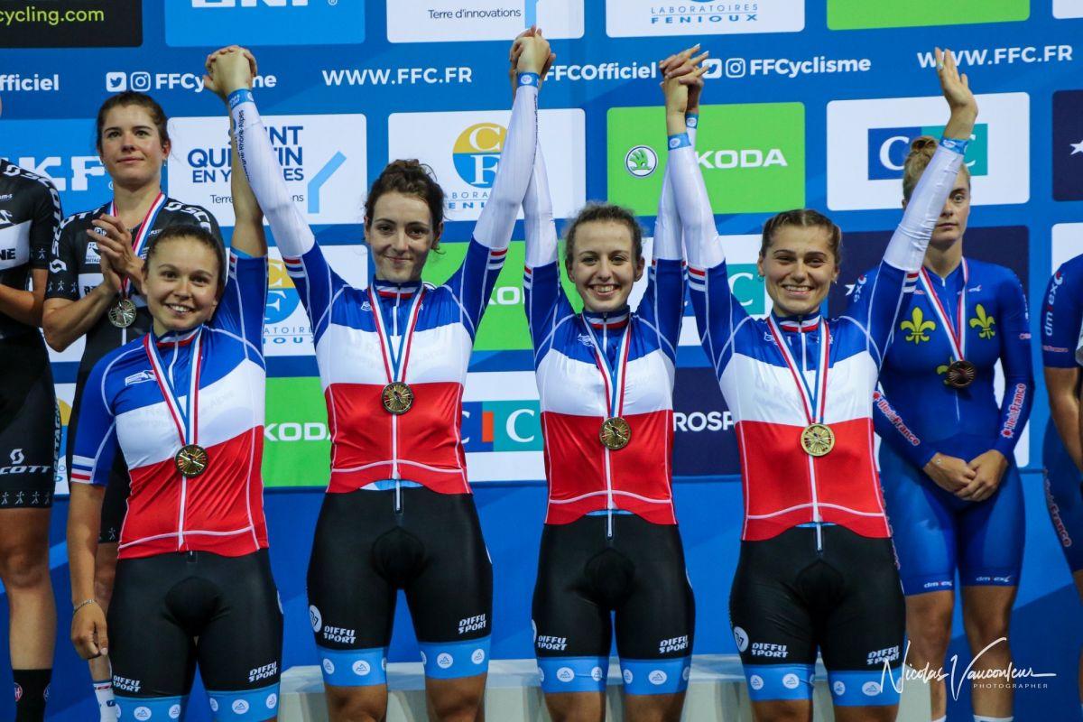 Maéva (à gauche) Championne de France de poursuite par équipes