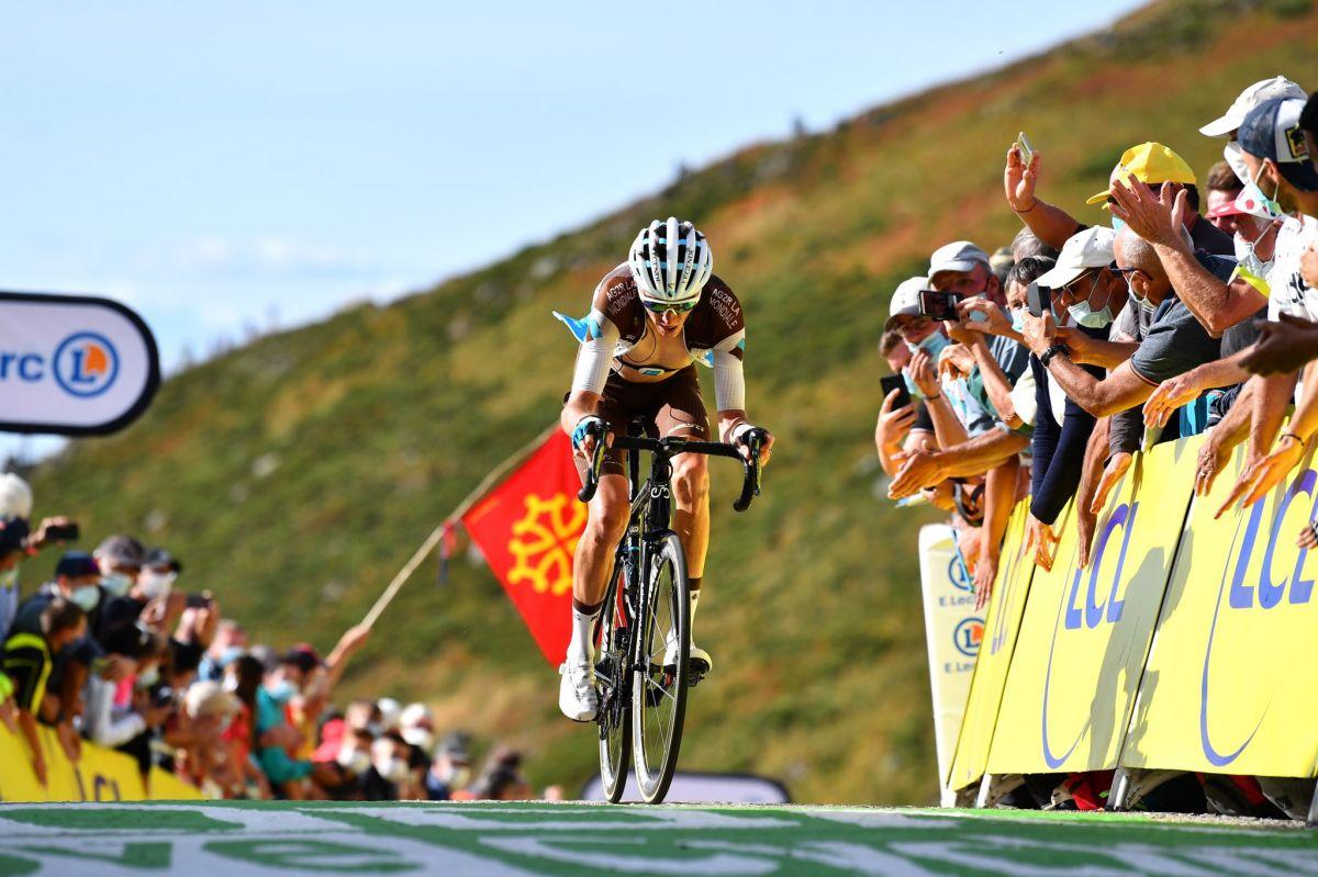 Romain Bardet au sommet du Puy-Mary