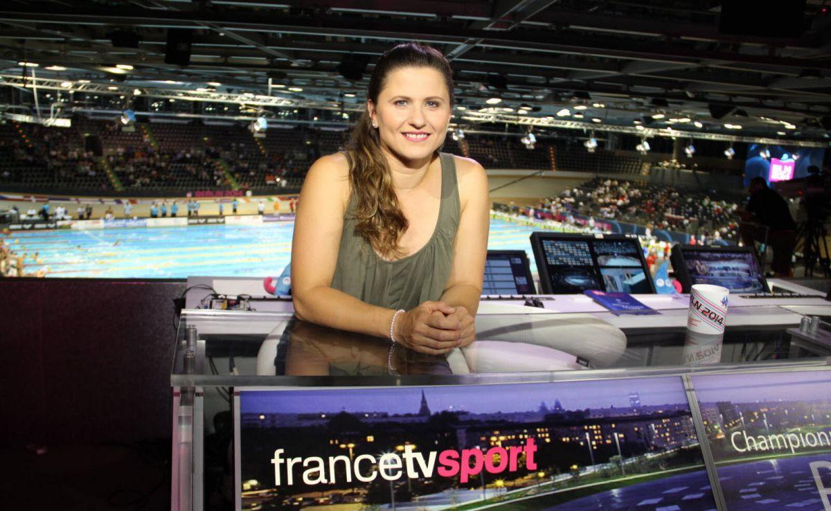Roxana Maracineanu sur le plateau de France Télévision lors des mondiaux de Berlin