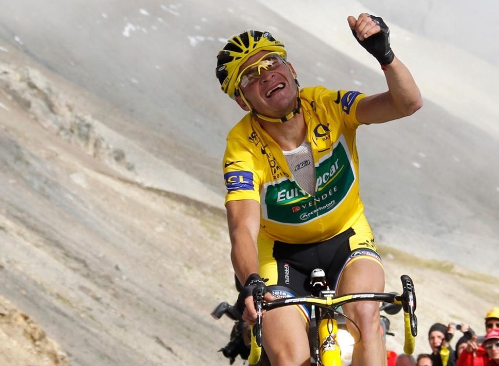Thomas Voeckler sauve son maillot jaune au Galibier après avoir offert une incroyable résistance