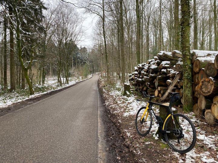 """Le 13 janvier Tom Dumoulin se sentait encore cycliste professionnel pour avoir titré sur les réseaux sociaux """"une sortie hivernale sympa avec mon nouveau Cervélo"""""""