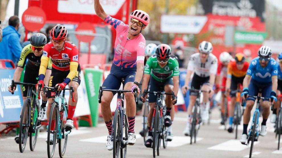 Magnus Cort Nielsen devance Primoz Roglic à l'occasion de la 16e étape de la Vuelta 2020
