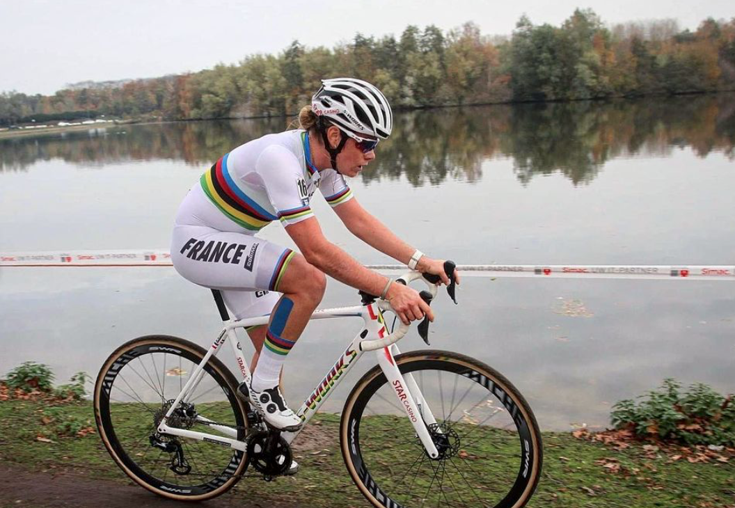 Marion Norbert-Riberolle dans sa tenue de Championne du Monde U23 2020