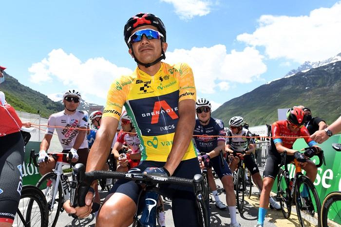 Richard Carapaz en jaune sur le Tour de Suisse